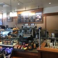 Photo taken at Peet's Coffee & Tea by Armin D. on 9/14/2016