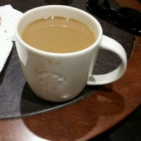 Photo taken at Starbucks by Erkan .. on 8/29/2016