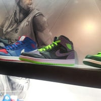 Photo taken at House Of Hoops Orlando by 2sweet on 7/27/2013