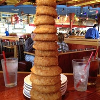 Photo taken at Red Robin Gourmet Burgers by Sarah F. on 11/3/2012