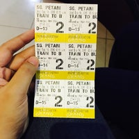Photo taken at Grand Cineplex by Nur Zaireen N. on 9/14/2016
