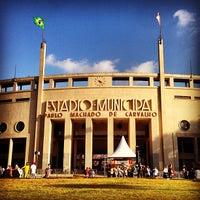 Photo taken at Estádio Municipal Paulo Machado de Carvalho (Pacaembu) by Fabio A. on 4/21/2013