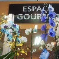 Photo taken at Super Nosso Gourmet by Maria Luiza T. on 12/1/2012