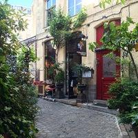 Photo taken at Les Compagnons de la Grappe by Georgia L. on 6/4/2015