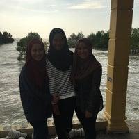 Photo taken at Pantai Jeram Restoran Ikan Bakar & Katering by Amira Izzati A. on 2/9/2016