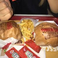 Photo taken at Burger King by José P. on 11/28/2016