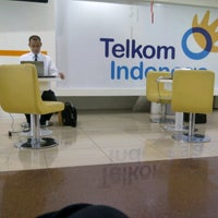 Photo taken at Plasa Telkom Jakarta Timur by Cahci C. on 4/17/2013