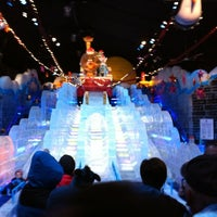 Photo taken at ICE! & SNOW Tubing - Gaylord Texan by Brian T. on 11/22/2012