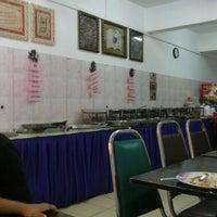 Photo taken at Restoran Halelah by Alia H. on 12/20/2015