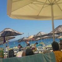 Photo taken at Butik Han Beach Otel by Özgül on 7/7/2016
