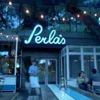 Photo taken at Perla's Seafood and Oyster Bar by Jorge Davis L. on 11/20/2011