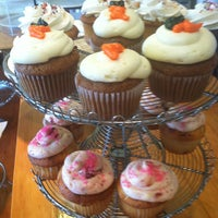 Photo taken at Zoe's Cupcake Cafe by TMO L. on 6/8/2013