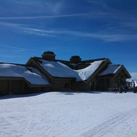 Photo taken at Seattle Ridge Day Lodge by Matt M. on 3/1/2013