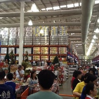 Photo taken at S&R Membership Shopping by Brendt J. on 11/24/2012