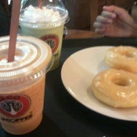 Photo taken at J.CO  Donuts & Coffee by Ephie B. on 2/6/2013