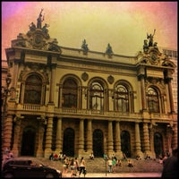 Photo taken at Theatro Municipal de São Paulo by MaryAndradeee on 11/24/2012