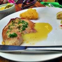 Photo taken at Market Ipanema Café e Restaurante by VidaDeCasal.com.br on 12/30/2012