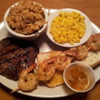Photo taken at Texas Roadhouse by Yazeed A. on 11/4/2012