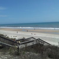 Photo taken at Daddy Mac's Beach Grille by Tyrrel W. on 4/17/2013