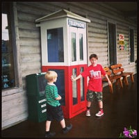 Photo taken at Loretta Lynn's Kitchen and Gift Shop by Mary H. on 6/17/2013