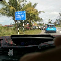 Photo taken at Sg. Tujuh Checkpoint (Brunei) by Russell Slyvester F. on 10/23/2016
