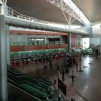 Photo taken at Aeroporto Internacional de Maceió / Zumbi dos Palmares (MCZ) by André R. on 5/12/2013