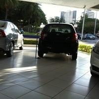 Photo taken at Honda Nova Luz by Pri P. on 10/17/2012