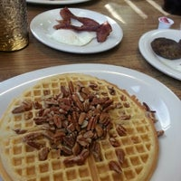 Photo taken at Ol' South Pancake House by Joe A. on 11/25/2012