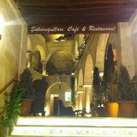 Photo taken at Şüküroğulları Cafe Restaurant by Jonathan R. on 9/16/2012