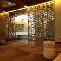Photo taken at Hotel Mandarin Oriental by Diana P. on 1/14/2013