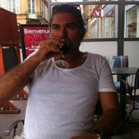 Photo taken at Taverne Karlsbrau by Nesat O. on 8/18/2013