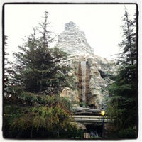 Photo taken at Matterhorn Bobsleds by Wai on 11/25/2012