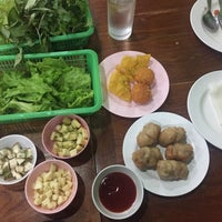 Photo taken at แหนมเนืองลับแล by Thanasiri T. on 6/17/2016