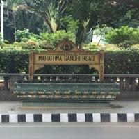 Photo taken at Mahatma Gandhi Circle (ಮಹಾತ್ಮಾ ಗಾಂಧಿ ವೃತ್) by Keri H. on 9/21/2016