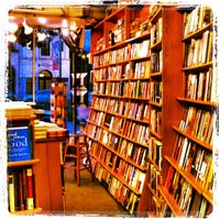 Photo taken at Kramerbooks & Afterwords Cafe by Isa L. on 9/16/2012