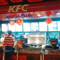 Photo taken at KFC by Ruomeo F. on 2/22/2015
