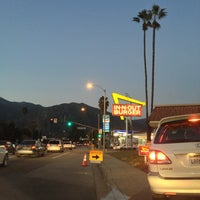Photo taken at In-N-Out Burger by Jei R. on 1/18/2013