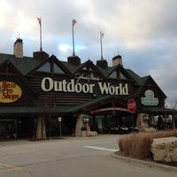 Photo taken at Bass Pro Shops by Ralph on 12/10/2012