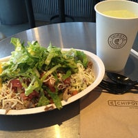 Photo taken at Chipotle Mexican Grill by Yuki N. on 6/25/2013