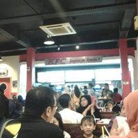 Photo taken at KFC by Sayuti S. on 7/24/2013