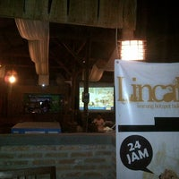 "Photo taken at Lincak ""Warung Hotspot Bukan Cafe"" by beng r. on 5/3/2013"
