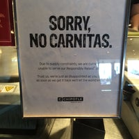 Photo taken at Chipotle Mexican Grill by ill_i_Am M. on 1/20/2015