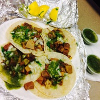 Photo taken at Tacos San Buena by LimaR A. on 3/25/2014