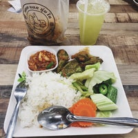 Photo taken at Food Park by teukfa_me on 3/24/2016