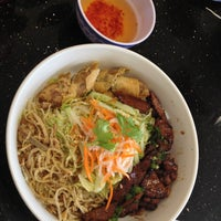 Photo taken at Pho Thanh by Печенька К. on 9/10/2013