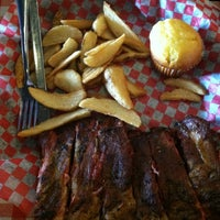 Photo taken at Famous Dave's Bar-B-Que by Lisa M. on 3/7/2013