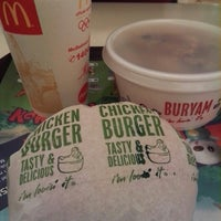 Photo taken at McDonald's by Dian A. on 3/11/2013