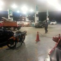 Photo taken at Petronas Lebuhraya Serdang Puchong by Rizuwan A. on 10/4/2012