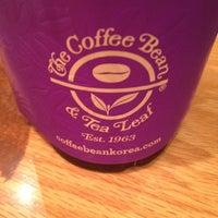 Photo taken at The Coffee Bean & Tea Leaf by Jihyoun J. on 10/9/2013