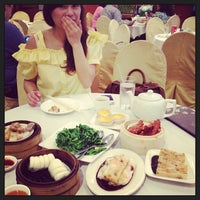 Photo taken at Asian Jewels Seafood Restaurant 敦城海鲜酒家 by Denise G. on 6/16/2013